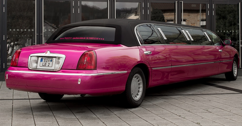 Stretchlimousine-pink-Party-rosa-Junggesellenabschied-Siegen-Olpe2